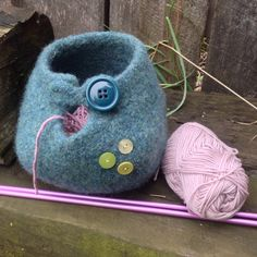 felted turquoise knitting yarn bowl // by theprairiesparrow,