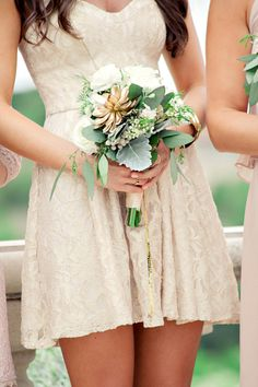 This is what I want for my bridesmaids! Simple but pretty!