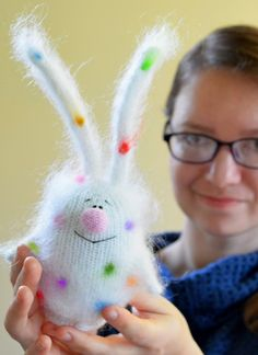 Анна Карелина man if I could knit I'd knit this little bun love it's colored spots