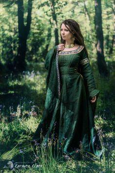 Green medieval dress