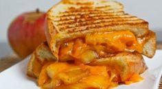 Um sanduíche ousado como você! Primeiro passe as maçãs na frigideira com manteiga, canela e açúcar e deixe por 5 minutos. Depois monte o sanduíche com uma fatia de cheddar e leve o sanduíche para a frigideira. Confira aqui a receita.