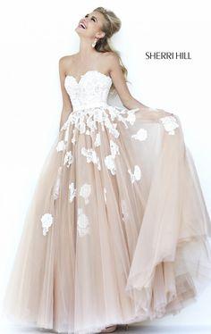 Ivory Nude Lace Prom Dress 2015 Sherri Hill 11200 prom dress Beautiful but expensive 🤑 Prom Dresses 2015, Dance Dresses, Bridesmaid Dresses, Formal Dresses, Wedding Dresses, Dress Prom, Lace Dress, Dress Long, Prom 2015