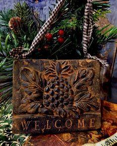 Pineapple Welcome Blackened Beeswax Cinnamon Scented Vintage Primitive Folk Art