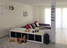 Küchen-/Spielbereich vorher Modern, Toddler Bed, Entryway, Kids Rugs, House, Furniture, Home Decor, Environment, Living Room