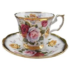 Elizabethan Pink Burgundy Yellow Rose Teacup and Saucer Tea Sets Vintage, Vintage Cups, Cup And Saucer Set, Tea Cup Saucer, Antique Tea Cups, Teapots And Cups, My Cup Of Tea, Tea Service, Bone China