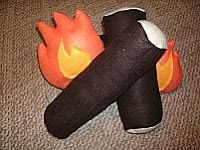 Free felt campfire tutorial. Great for little cowboys and cowgirls or fill an empty fireplace and have some back up pillows!