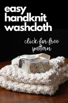 This easy hand knit washcloths pattern is a great pattern for beginner knitters, involving simple knit and purl stitches. Not only will you enjoy using these washcloths in your home, but they make great gifts. Knitted Dishcloth Patterns Free, Knitted Washcloths, Knit Dishcloth, Knitted Blankets, Knitting Patterns Free, Free Pattern, Crochet Patterns, Loom Patterns, Crochet Stitches