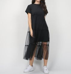The Lily Short Sleeve T-Shirt Mesh Dress is a unique and fashionable piece! An essential for the daring fashionista. Cheap Dresses, Casual Dresses, Short Sleeve Dresses, Mini Dresses, Short Sleeves, Dress Outfits, Fashion Dresses, Fashion 2017, Mode Abaya