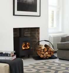 the Morsø is a stunning example of a small stove offering all the attributes of a larger model. The viewing area is maintained and indeed at its most visually appealing in this format. Buy now from Bradley Stoves Sussex Log Burner Living Room, Kitchen Dining Living, New Living Room, Home And Living, Living Room Decor, Small Wood Burning Stove, Small Stove, Morso Stoves, Wood Burner Fireplace