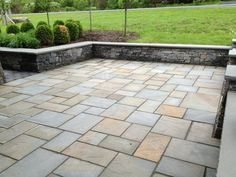 Bluestone Pavers | Random pattern natural cleft full color patio