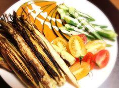 生のヤングコーンを皮ごとグリルしたらとても美味しかった❤ - 31件のもぐもぐ - 温野菜サラダ by Ishibashi