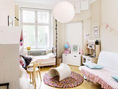 Maalaiskoti vaihtui vuokra-asumiseen ydinkeskustassa : lastenhuone, lastenhuoneen sisustus, kekseliäät ratkaisut lastenhuoneeseen, moderni lastenhuone, tyylikäs lastenhuone, scandinavian living, children's bedroom, finnish design