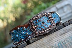 Turquoise Leather Dog Collar ( Western leather dog collar ~ bling collar ~ tuquoise copper dog collar ~ vintage dog collar )The Diamond Dogs Bling Dog Collars, Dog Collar Tags, Leather Dog Collars, Electric Dog Collar, Dog Clicker Training, Diamond Dogs, Dog Ages, Vintage Dog, Dog Supplies