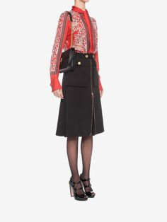Shop Women's Paisley Print Scarf Shirt from the official online store of iconic fashion designer Alexander McQueen. Military Skirts, Scarf Shirt, Office Outfits, Paisley Print, Alexander Mcqueen, Black And White, Luxury, Shirts, Fashion Design