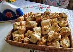 Tökmagos pogácsa Potato Salad, Cauliflower, Potatoes, Baking, Vegetables, Ethnic Recipes, Macaron, Food, Cauliflowers