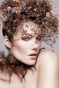 Make Up & Hair: Corry van der Pluijm, Photo: Famke Backx, Model: Rosalind Engelgeer