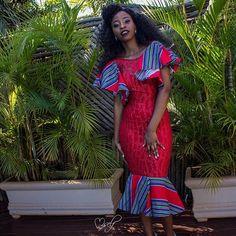 When we mix lace and Nwenda wa Tshivenda ❤️❤️❤️ MUA African Lace, African Wear, African Attire, African Dress, African Fashion, African Clothes, African Style, Fashion Women, South African Traditional Dresses