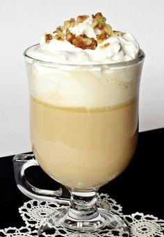 Citromhab: Karamellás forró csokoládé Café Chocolate, Café Bar, Hungarian Recipes, Frappuccino, Trifle, Cacao, Yummy Drinks, Finger Foods, Smoothies