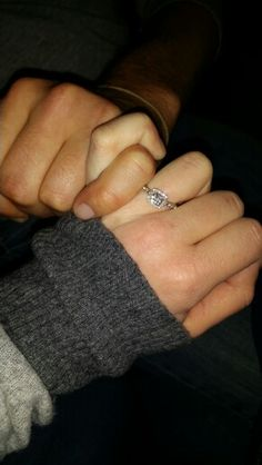 Promising forever and ever. Couple Relationship, Cute Relationship Goals, Cute Relationships, Hand Pictures, Couple Pictures, Cute Couples Goals, Couple Goals, Snapchat Streak, Tumblr Couples