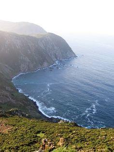 Turismo Enxebre: San Andres de Teixido (Los acantilados más altos de Europa)