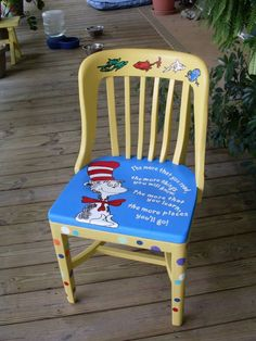 Not really for the home, but a refinished teacher's chair Painted Chairs, Painted Furniture, Wood Artwork, Artwork Ideas, Dr Seuss Chairs, Authors Chair, Fuzzy Chair, Teacher Chairs, Classroom Crafts