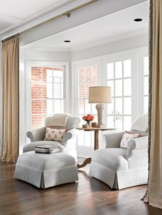 Bay Window Ideas - Surf photos of living area bay window. Discover ideas and also inspiration for living space bay window to include in your own home. Living Room Chairs, Morning Room, Living Room, Home, Interior, Family Room, Livingroom Layout, Home Decor, Kitchen Sitting Areas