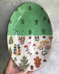 Ceramic Clay, Ceramic Painting, Ceramic Plates, Porcelain Ceramics, Pottery Painting Designs, Pottery Designs, Paint Designs, Pottery Plates, Ceramic Pottery