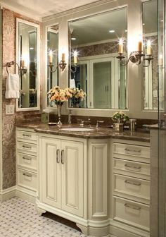 : Stylish Traditional Bathroom Design Interior With White Bathroom Vanities And Marble Countertop Decoration Ideas Inspiration Bathroom Renos, Bathroom Interior, Master Bathroom, Bathroom Mirrors, Vanity Mirrors, Vanity Cabinet, White Bathroom, Bathroom Paneling, Cabinet Storage