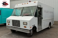 Custom Food truck builder near me – trailers, Concession truck outfitter in Delaware Used Food Trucks, Custom Food Trucks, Cool Trucks, Kitchen Builder, Food To Make, Making Food, Cooking Stores, Food Truck Business, Concession Trailer