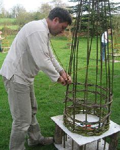 create a base Willow Garden, Garden Basket, Garden Art, Garden Plants, Garden Design, Natural Structures, Garden Structures, Garden Ideas 2018, Willow Sticks