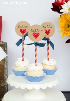 The scale of the straws works with tall medallions, so cute! Denim Crafts:: Partying with Denim by Love The Day
