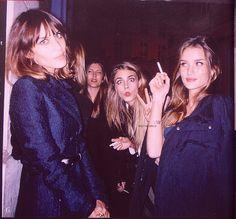 navy Alexa Chung Style, Cara Delevingne, Smoking Celebrities, Vogue, Girl Smoking, Women Smoking, Chanel, Rosie Huntington Whiteley, N21