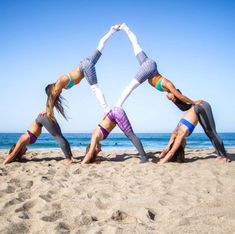 What Is Reverse Prayer Yoga And What Are Its Benefits? What Is Reverse Prayer Yoga And What Are Its Benefits? What Is Reverse Prayer Yoga And What Group Yoga Poses, Acro Yoga Poses, Dance Poses, Partner Yoga Poses, Yoga Pictures, Yoga Photos, Hata Yoga Asanas, Yoga Inspiration, Yoga Fitness