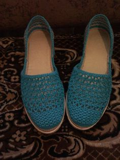 Одноклассники Crochet Boot Socks, Crochet Sandals, Crochet Gloves, Crochet Slippers, Knitting Socks, Knit Shoes, Sock Shoes, Shoe Boots, Crochet Shoes Pattern