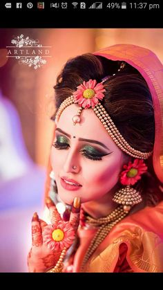 one of the Best pre wedding functions jewellery & Makeup love this 😍😍😍 . - New Hair Styles Indian Wedding Photos, Indian Wedding Photography, Indian Bridal Fashion, Indian Bridal Makeup, Flower Jewellery For Haldi, Flower Jewelry, Fancy Jewellery, Bridal Hair Updo, Wedding Function
