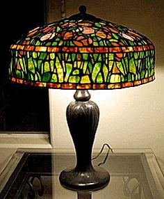Authentic Tiffany table lamp.
