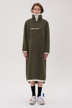 Cozy one-piece Khaki : Adererror shop Sport Fashion, Girl Fashion, Fashion Outfits, Womens Fashion, Fashion Design, Girls Raincoat, Raincoat Outfit, Raincoats For Women, Casual Street Style