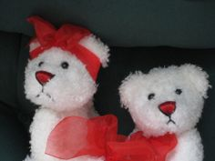 WHITE TEDDY BEARS COUPLE- SOFT FEEL- NEW WITH TAG- RED RIBBONS- VALENTINE'S DAY