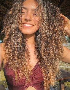 This is the best leave in conditioner for curly hair. Whether you have fine curly hair or thick curls, these leave in treatments will restore your curls. Curly Hair Styles, Fine Curly Hair, Colored Curly Hair, Curly Girl, Long Curly, Natural Hair Styles, Blonde Curly Hair Natural, Girls With Curly Hair, Curly Hair Layers