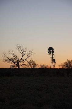 karoo Smell Of Rain, Old Windmills, African Countries, Old Barns, Le Moulin, My Land, Sunrises, Country Life, Painting Inspiration