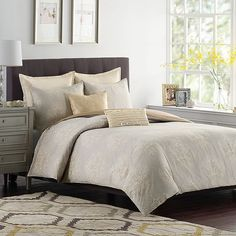 Aura Medallion Duvet Cover Set