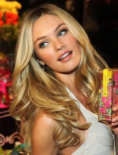 want these curly waves! love this hair! Candice Swanepoel Long Curls - Candice Swanepoel flipped her gorgeous mane while making an appearance with fellow angels at the Victoria's Secret Beauty Launch. Ombré Hair, Her Hair, Curls Hair, Blonde Color, Hair Color, Darker Blonde, Perfect Blonde, Corte Y Color, Long Curls