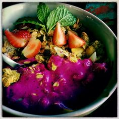 Naga bowl. Breakfast at Betelnut Canggu. A freaking Feast every day!  Canggu Bali. What a nice place. Find all tips on my blog. The best places to eat, things to do, the best shopping en the coolest hotels. Check it out!  http://www.mytravelboektje.com/?p=314