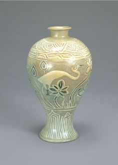 Korean art [Joseon Dynasty, 15th Century] Buncheong Bottle