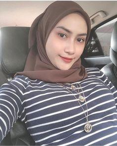Beautiful Hijab Girl, Hot, Beauty, Instagram, Doraemon, Girls, Fashion, Beleza, Toddler Girls