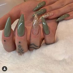 Outstanding Nail Arts To Rock in Summer - VincisZone Aycrlic Nails, Dope Nails, Stiletto Nails, Swag Nails, Grunge Nails, Neon Nails, Art Nails, Glitter Nails, Classy Nails
