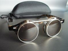 Steampunk flip up sunglasses in leopard colour with free case