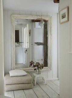 Espejo y pared