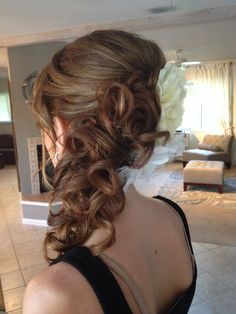 Up do with loose waves and pulled to the side. Sexy beachy hair, loose up do perfected by Jen owner of Beauty Couture Inc. Prom Hair Updo, Hair Dos, Side Hairstyles, Prom Hairstyles, Black Wedding Hairstyles, Beachy Hair, Romantic Updo, Special Occasion Hairstyles, Hair Game