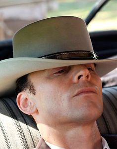 Tom Hiddleston as Hank Williams in I Saw The Light. Full size image: http://i.imgbox.com/l1sxm6O5.jpg Source: http://www.nola.com/movies/index.ssf/2015/09/i_saw_the_light_tom_hiddleston.html